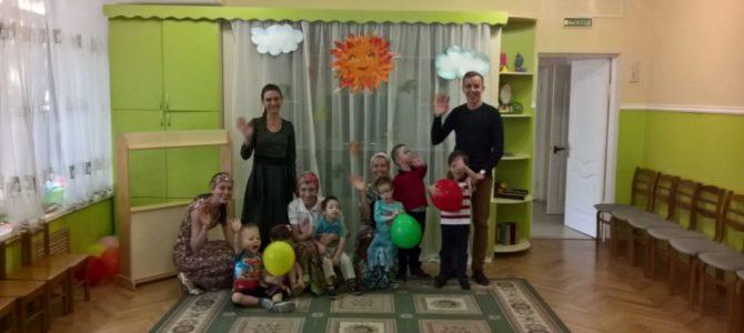 Активисты молодежной общины храма «Жизнь — во Христе» посетили Ростовский центр помощи детям