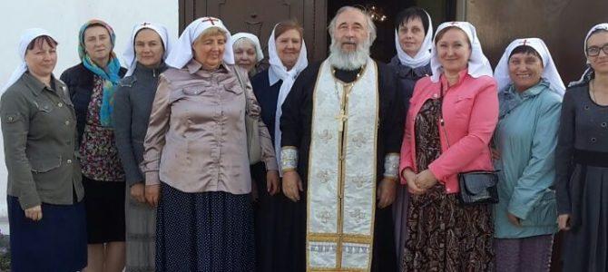 Сёстры милосердия и прихожане храма совершили паломническую поездку в село Сенявское