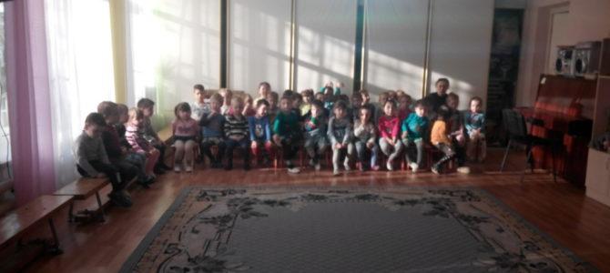 Помощник настоятеля по образовательной деятельности Наталья Полторак провела в детском саду №164 мероприятие, посвященное Масленице