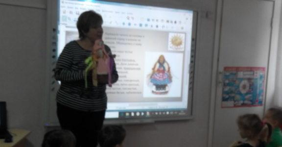 Помощник настоятеля храма по образовательной деятельности, Наталья Полторак, провела в  детском саду комбинированного типа №58 мероприятие,  посвященное Масленичной неделе и Прощеному воскресенью