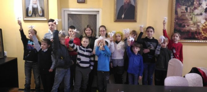 В храме для воспитанников воскресной группы Трошина Лилия Владимировна провела мастер класс по изготовлению Ангелов