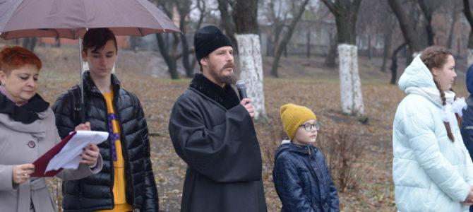 Настоятель храма принял участие в торжественной линейке ко Дню первого освобождения Ростова-на-Дону от немецко-фашистских захватчиков