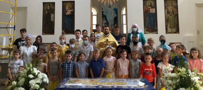 В нашем храме подошла к концу благотворительная акция «Соберем ребенка в школу»